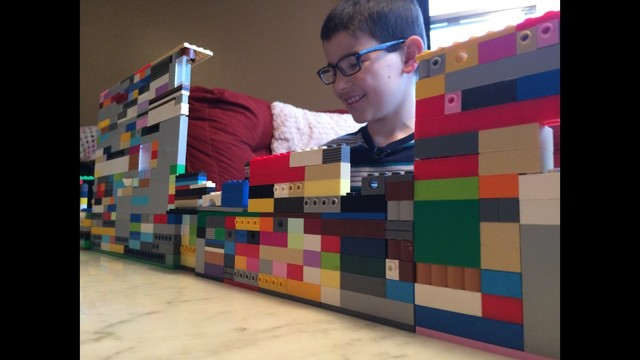 Kid Builds Trump Wall with Legos