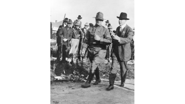 Gov. Brough with Army in Elaine (Arkansas State Archives)_1510088397255.jpg