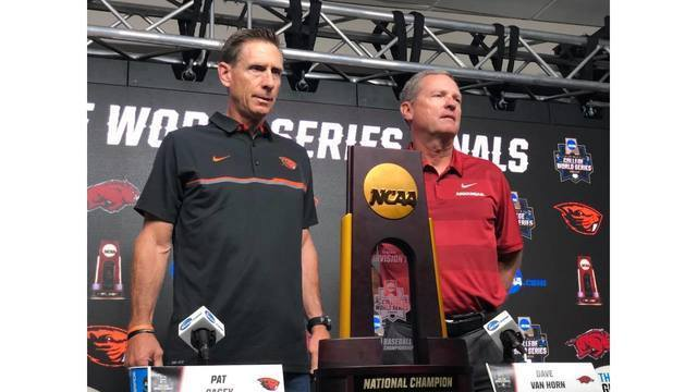 Coaches for Oregon and UA at CWS The stage is set. Dave Van Horn and Pat Casey pose with the #CWS18 Trophy. ‬_1529941756954.jpg.jpg